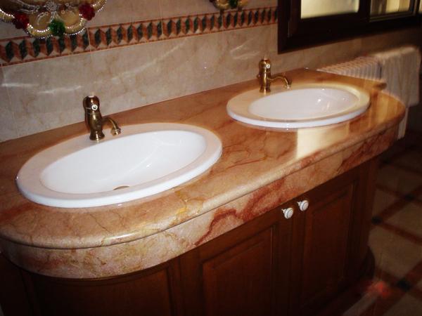 Marmi e pietre manduria stone srl for Servizi bagno